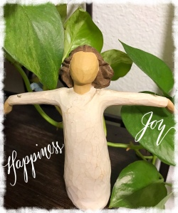 Happiness—Willow Tree Angel figurine