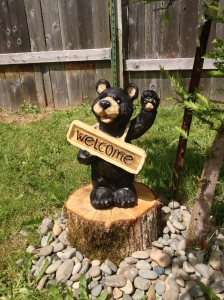 Welcome Bear lawn statue