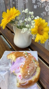 Donut Ice Cream Sandwich, yellow and white summer flowers