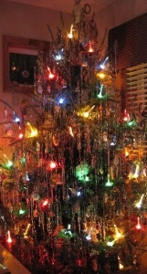 Tinseled Christmas Tree with Bubble Lights 1950's-image from Pinterest